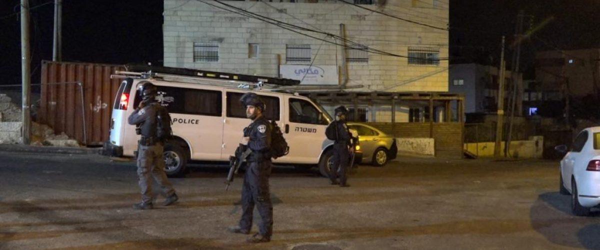 היכן נעצרת ההרתעה? שוטרים בפעילות במזרח ירושלים (צילום: דוברות המשטרה)