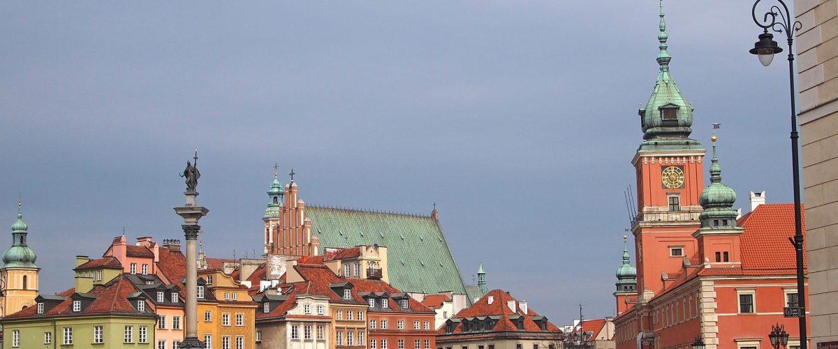 איזה אינטרס יש לפתוח חזית מול פולין. כיכר בבירה ורשה (צילום: Andrzej_b, Pixabay)